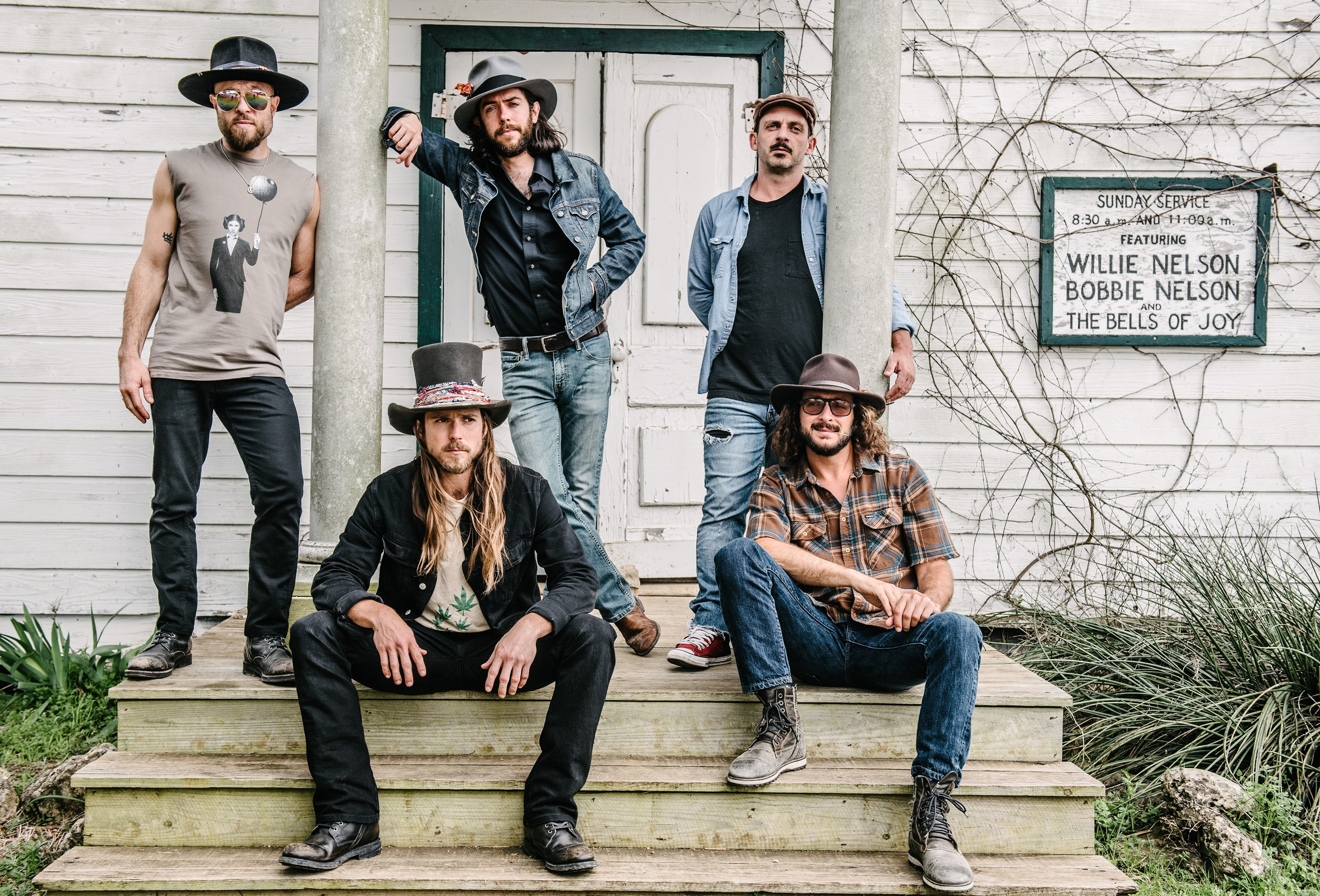 """Review: Lukas Nelson & Promise of the Real """"Turn Off The News (Build A Garden)"""" – Genialer Roots Rock"""