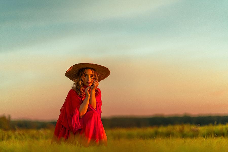 """Henriette feiert mit neuer Country-Pop Single """"Never Go Back"""" die Liebe"""